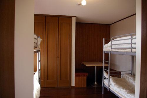 Dormitory 201/入り口より